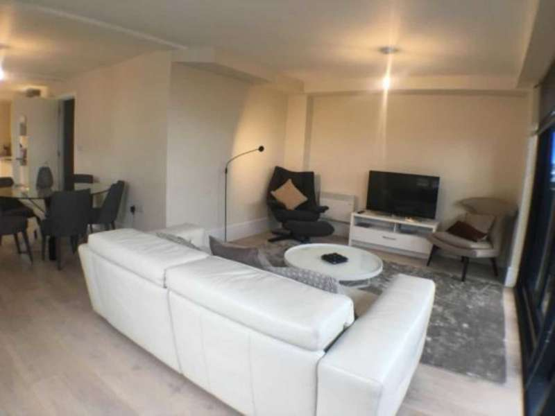 3 Bedrooms Apartment Flat for rent in Penthouse Apartment 54, The Dock Office, Trafford Way, Salford, M50 3XB