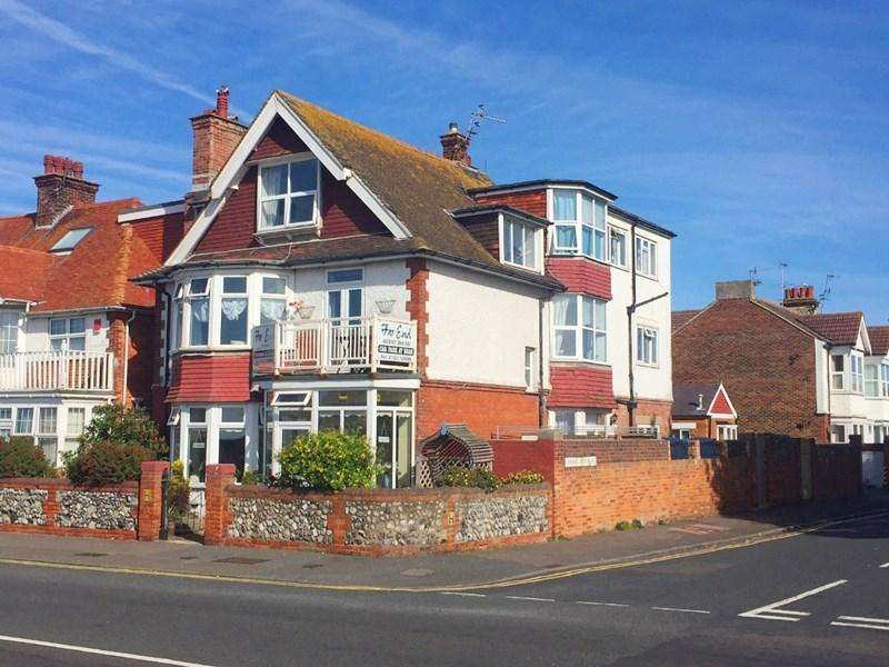 10 Bedrooms Guest House Commercial for sale in Far End, Royal Parade, Eastbourne, BN22