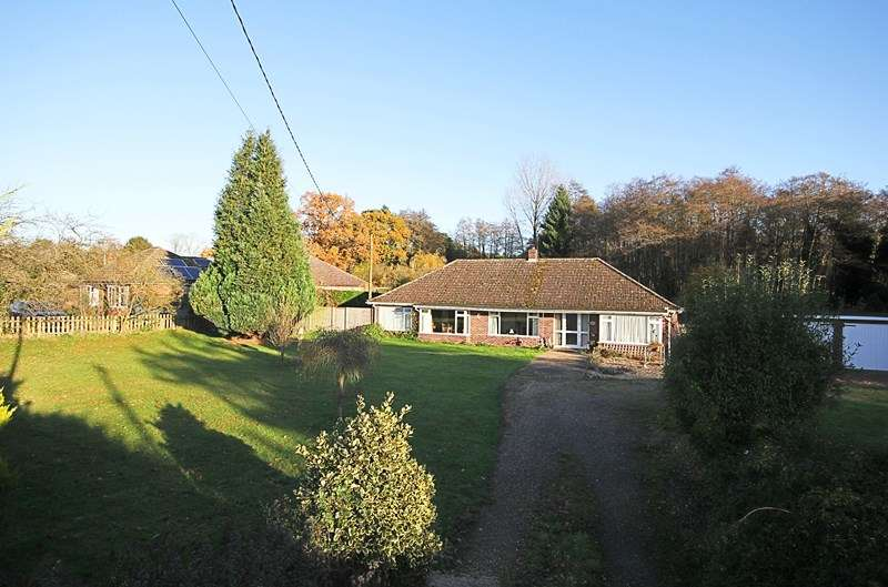 4 Bedrooms Detached Bungalow for rent in Swaffham Road, Mundford, Thetford