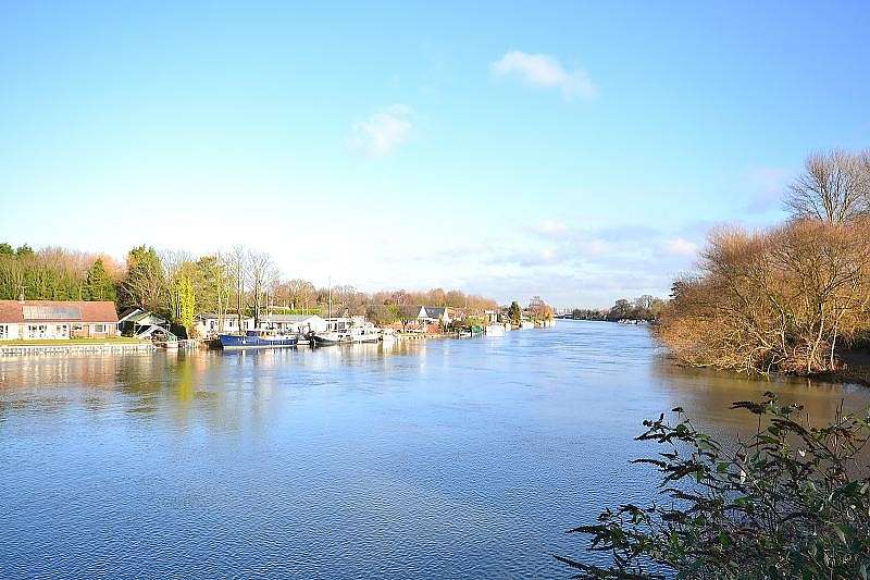 2 Bedrooms Apartment Flat for sale in Walton on Thames