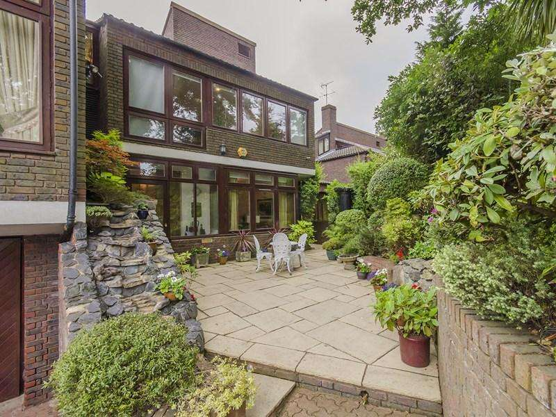 7 Bedrooms Detached House for sale in Grange Gardens, London