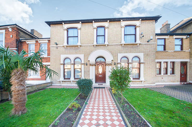 5 Bedrooms Property for rent in Windsor Road, London, E7