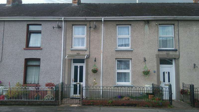 3 Bedrooms Terraced House for sale in College View, Llandovery, Carmarthenshire.