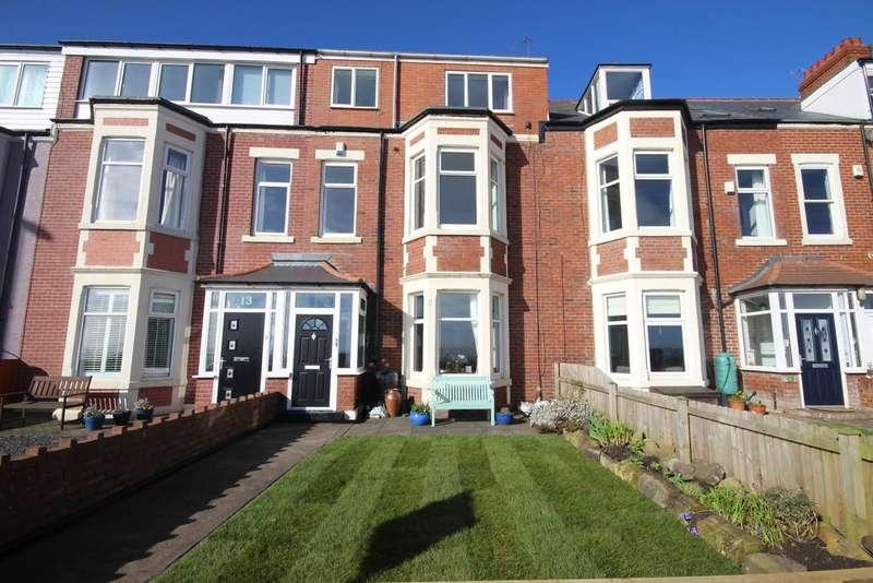 4 Bedrooms Maisonette Flat for sale in Windsor Crescent, Cullercoats, NE26