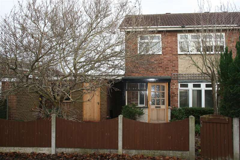 3 Bedrooms Semi Detached House for sale in North Walk, Retford