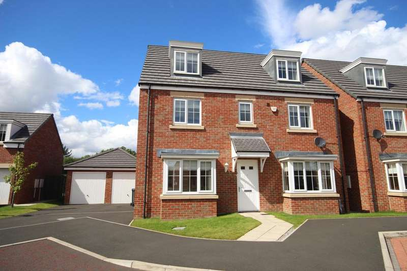 5 Bedrooms Detached House for sale in Lodge Court, Whitley Lodge, Whitley Bay, NE26