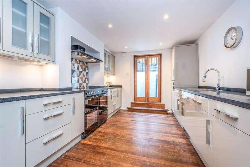 3 Bedrooms Flat for sale in St. Peter's Street, Islington, London, N1
