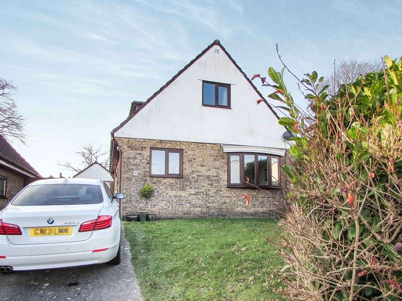 3 Bedrooms Detached House for sale in Gregory Close, Pencoed, Bridgend. CF35 6RF