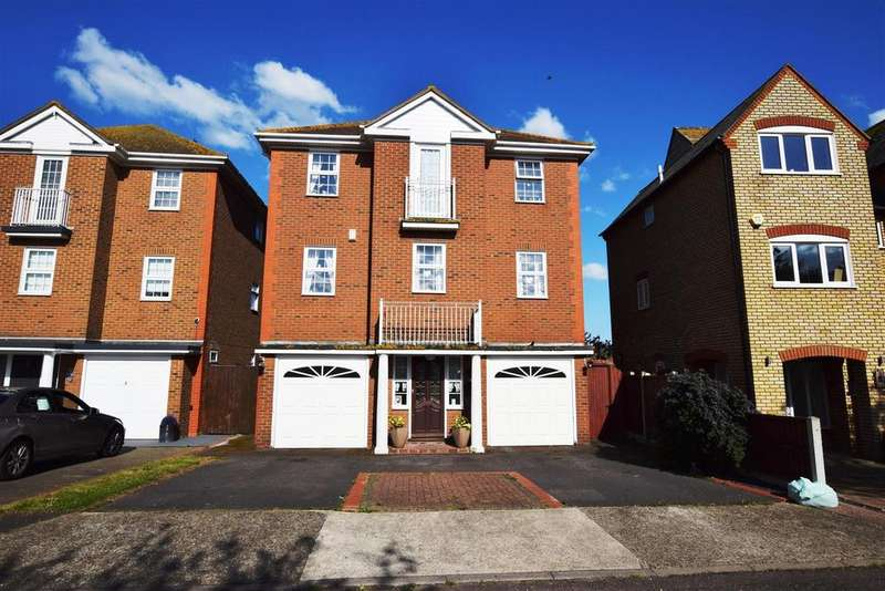 6 Bedrooms Detached House for sale in Silver Point Marine Point Road, Canvey Island