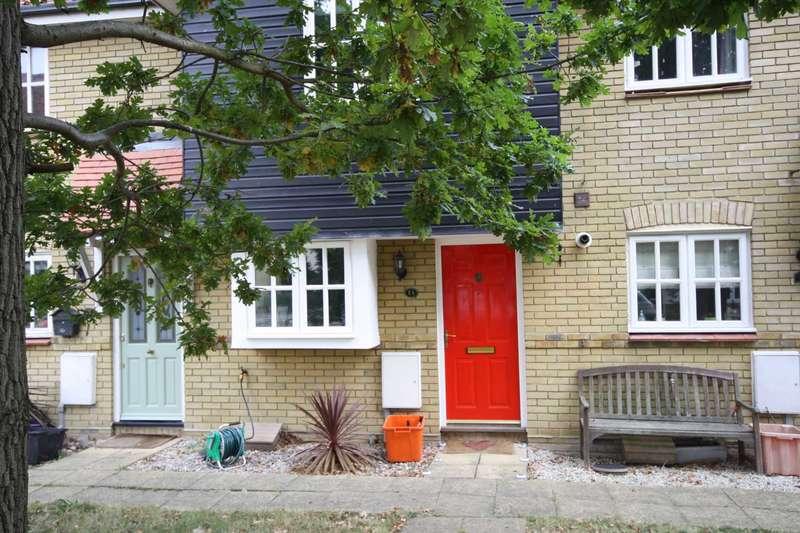 2 Bedrooms Terraced House for rent in Thistle Close, Noak Bridge