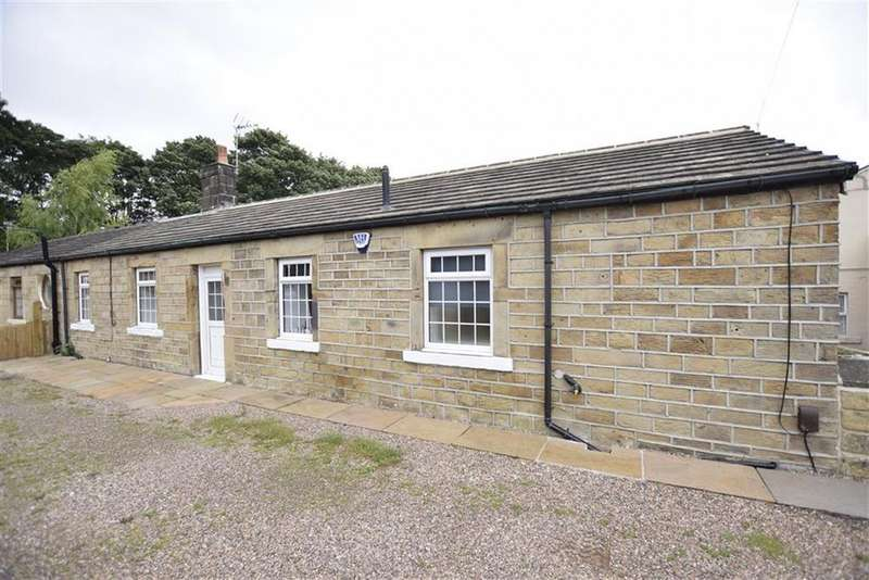 2 Bedrooms Semi Detached Bungalow for sale in Halifax Road, Batley, Batley, WF17
