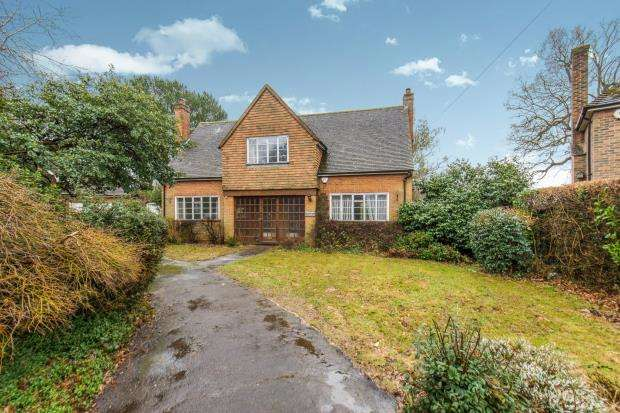 3 Bedrooms Detached House for sale in Busbridge, Godalming, Surrey