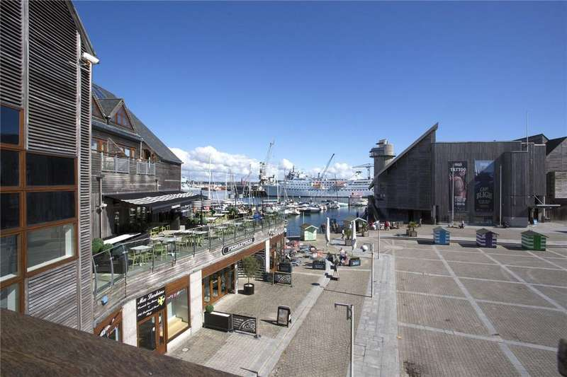 3 Bedrooms Flat for sale in Maritime House, Discovery Quay, Falmouth, Cornwall, TR11