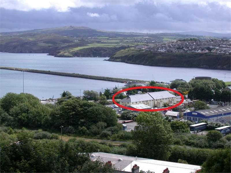 2 Bedrooms Flat for sale in Fishguard Bay Apartments, The Parrog, Goodwick, Pembrokeshire
