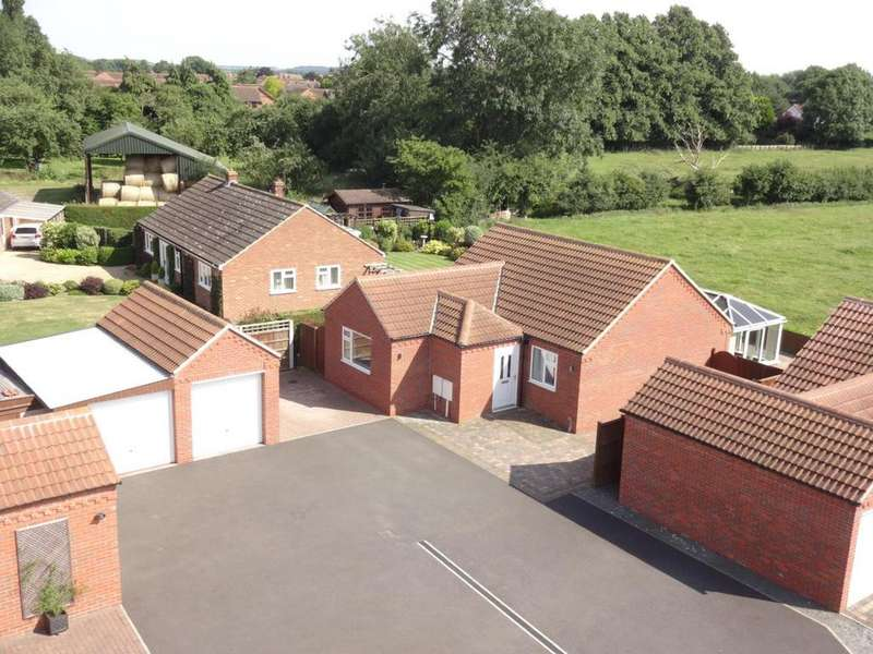 2 Bedrooms Detached Bungalow for sale in Nottingham Road, Bottesford
