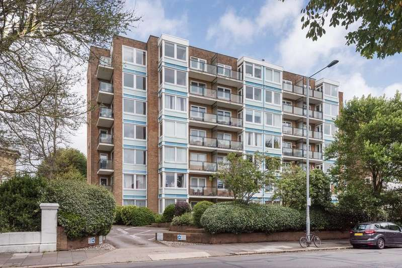 2 Bedrooms Flat for sale in Blenheim Court, New Church Road, Hove BN3