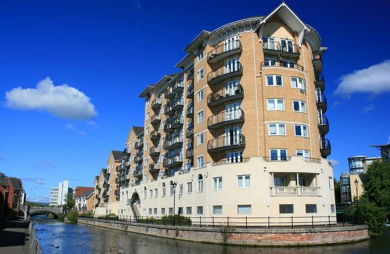 2 Bedrooms Flat for sale in Blakes Quay, Gas Works Road, Reading, RG1