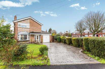 3 Bedrooms Detached House for sale in The Coppins, Warrington, Cheshire