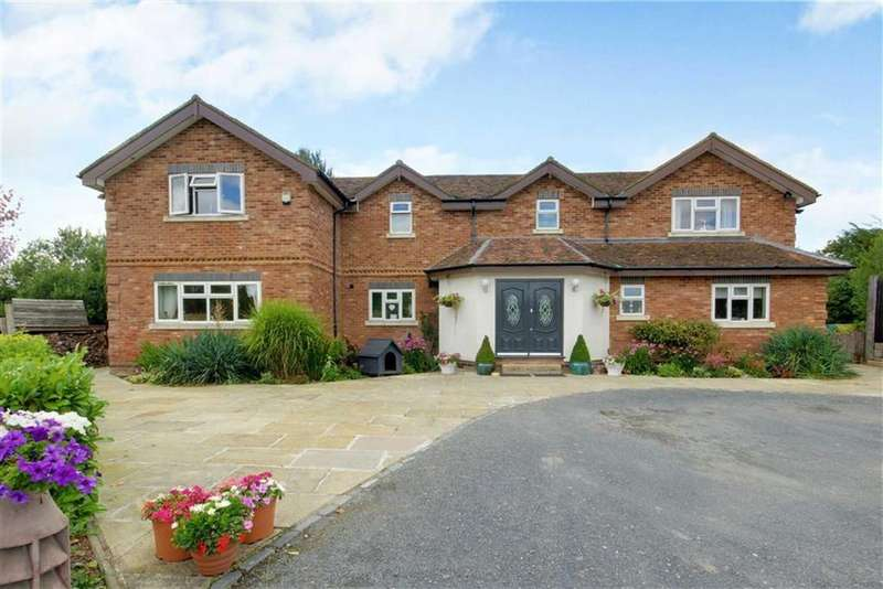 5 Bedrooms Detached House for sale in Bulls Lane, Bell Bar, Hertfordshire