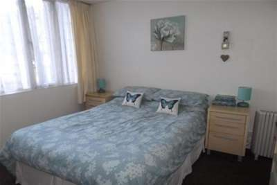 2 Bedrooms Flat for rent in Parklands Gardens, Walsall