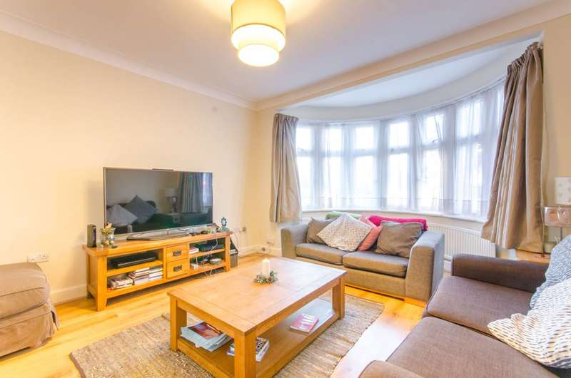 3 Bedrooms House for rent in Hyde Park Avenue, Winchmore Hill, N21
