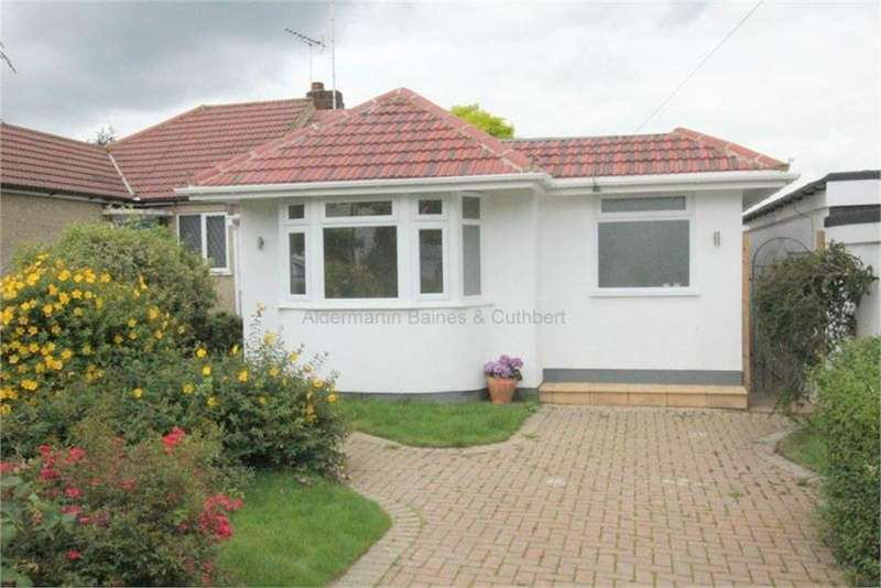 4 Bedrooms Semi Detached Bungalow for sale in Stuart Road, East Barnet, Barnet, Hertfordshire