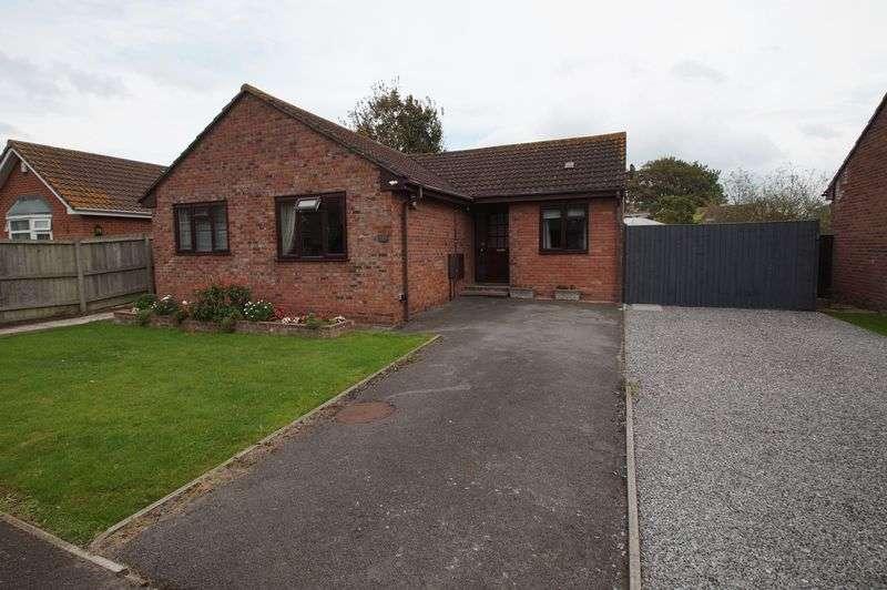 3 Bedrooms Property for sale in Highburn Close, Burnham-On-Sea