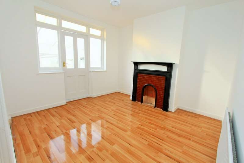 4 Bedrooms Terraced House for sale in Devonshire Hill Lane, London, London, N17