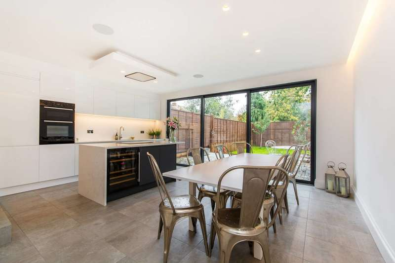 4 Bedrooms House for sale in Fernthorpe Road, Streatham Park, SW16
