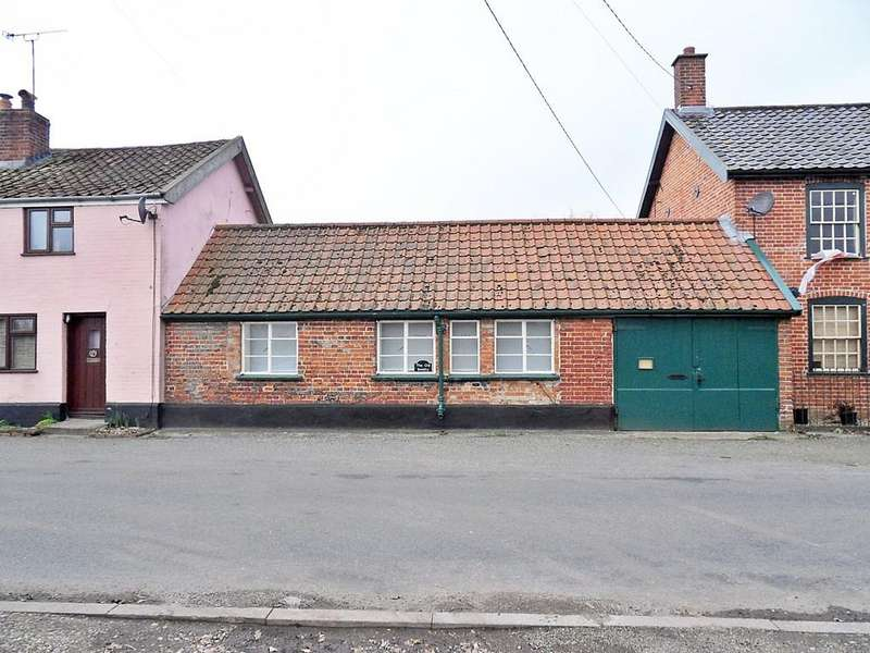 1 Bedroom Barn Conversion Character Property for sale in Low Road, Billingford