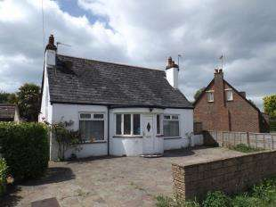 2 Bedrooms Bungalow for sale in Roundle Road, Felpham, Bognor Regis, West Sussex