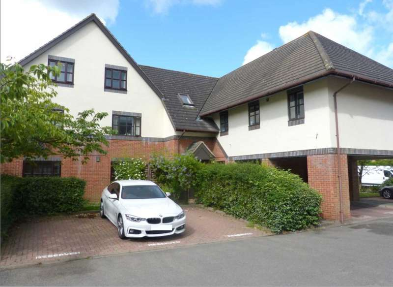2 Bedrooms Flat for sale in The Pines, Anthony Road