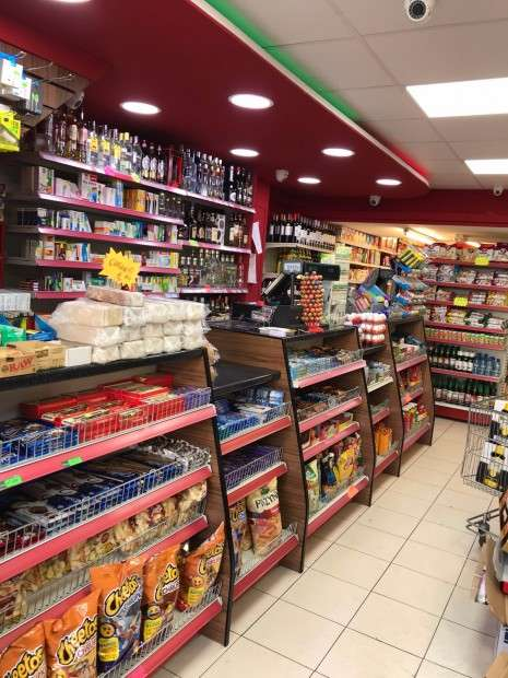 Retail Property (high Street) Commercial for sale in A & H food & Wine Oxford Road, 40, RG30