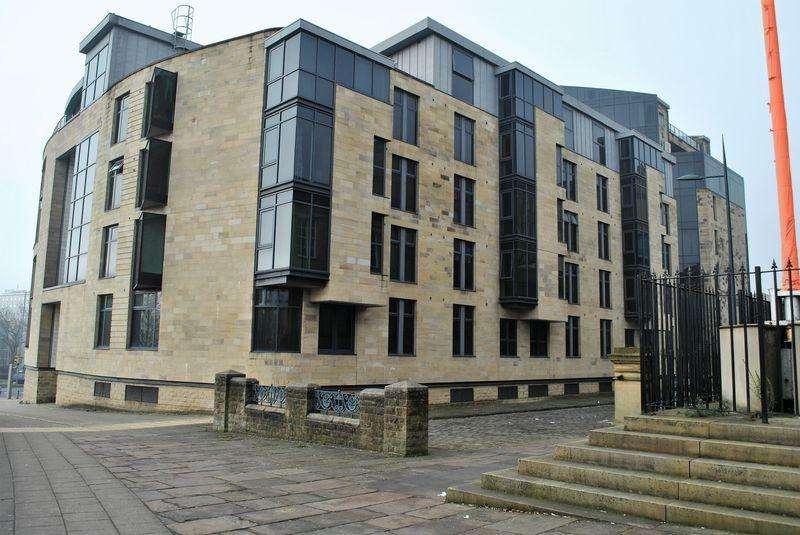 1 Bedroom Apartment Flat for sale in The Gatehaus, Leeds Road, Bradford, BD1 5BL