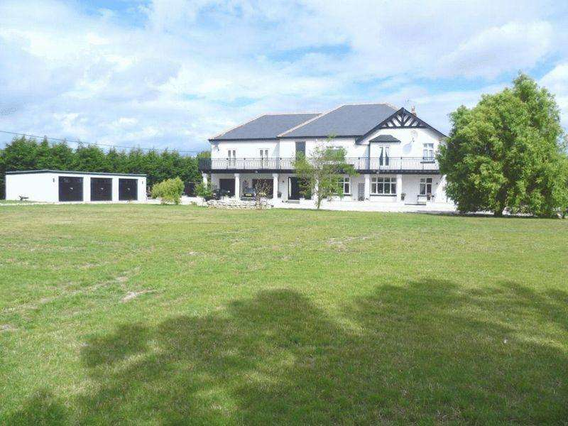 4 Bedrooms Detached House for sale in The White House, Kinmel Bay