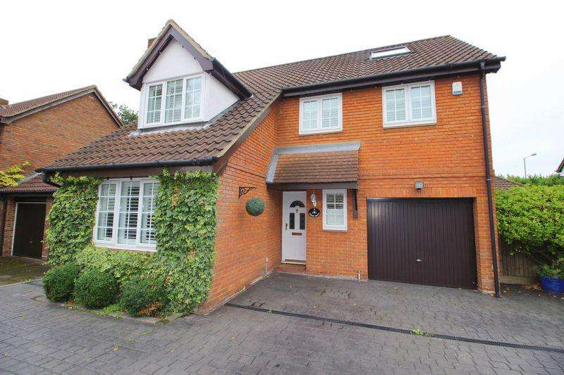 5 Bedrooms Detached House for sale in Firside Grove, Sidcup
