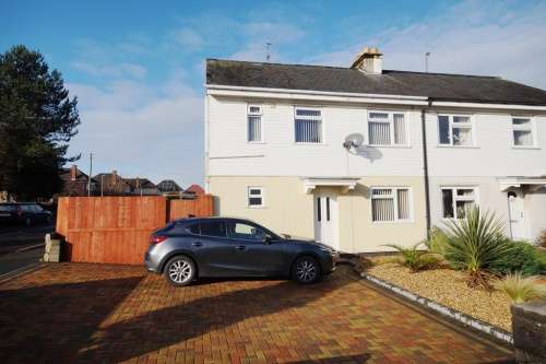 3 Bedrooms Semi Detached House for sale in Wimborne Road, Poole