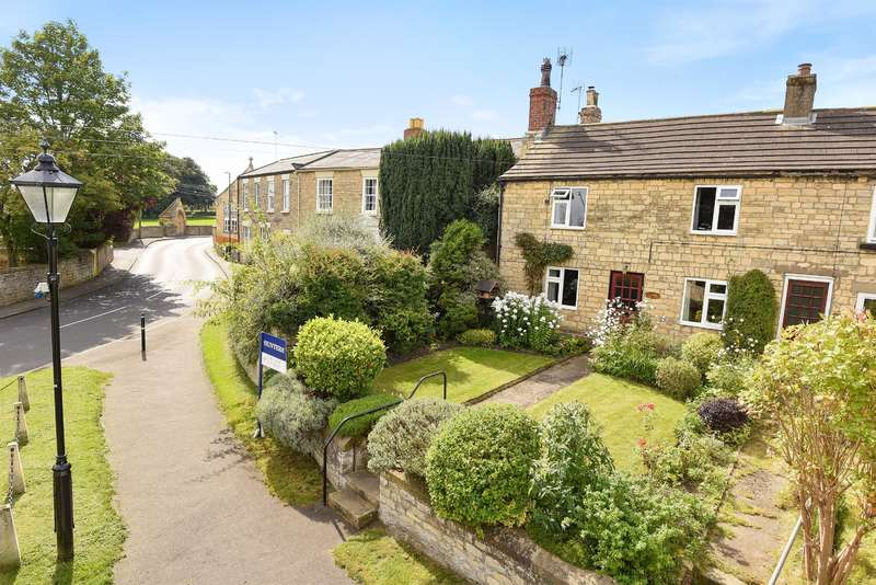 3 Bedrooms Semi Detached House for sale in Willow Lane, Clifford, Wetherby, LS23 6JN