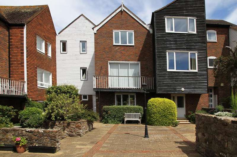 3 Bedrooms Town House for sale in Meryon Court, Rye, East Sussex TN31 7LY