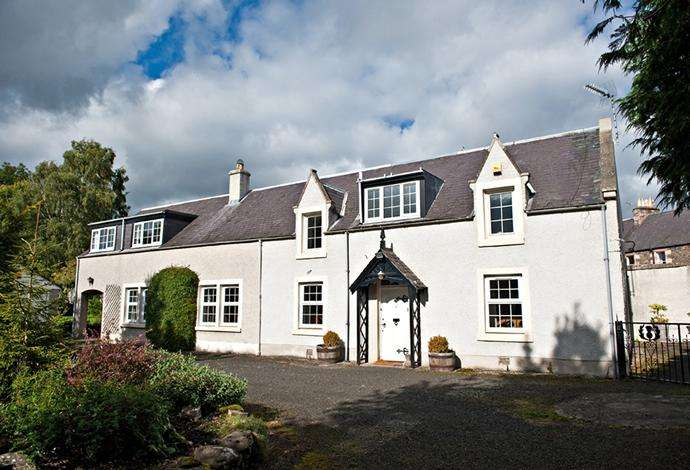 4 Bedrooms Detached House for sale in Thistle Cottage Station Road, Earlston, TD4 6BZ