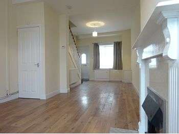 2 Bedrooms End Of Terrace House for rent in Lightwoods Road, Smethwick, Birmingham, B67