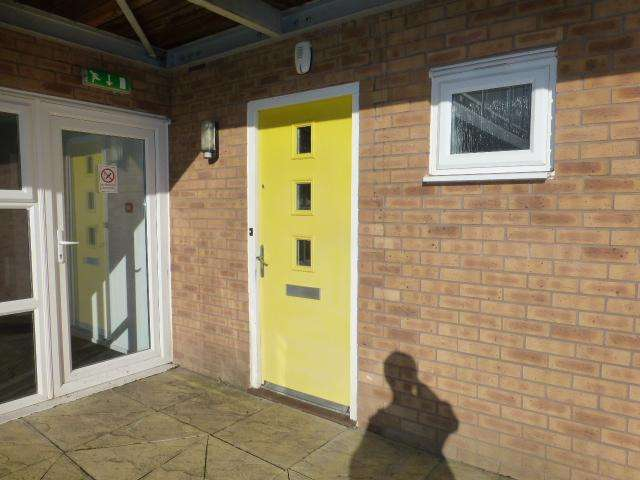 1 Bedroom Apartment Flat for sale in Attingham Drive, Dudley, DY1