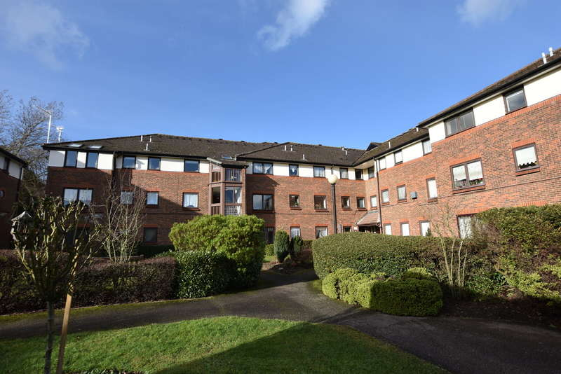 1 Bedroom Property for sale in First Avenue, Garston Watford