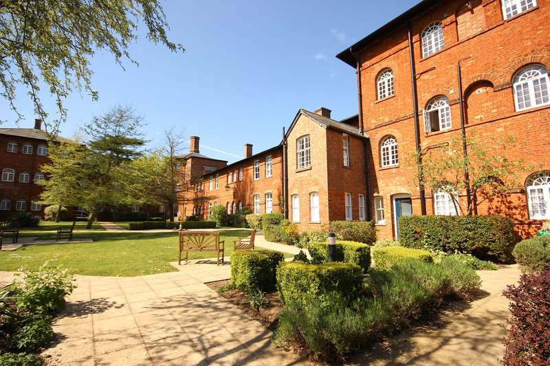 2 Bedrooms Apartment Flat for sale in Dunstable Street, Ampthill, Bedford, MK45