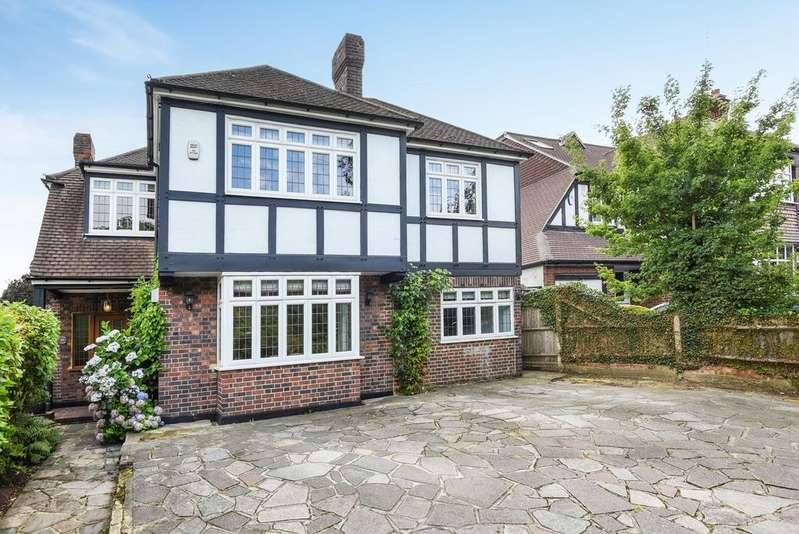 5 Bedrooms Detached House for sale in Corkscrew Hill West Wickham BR4
