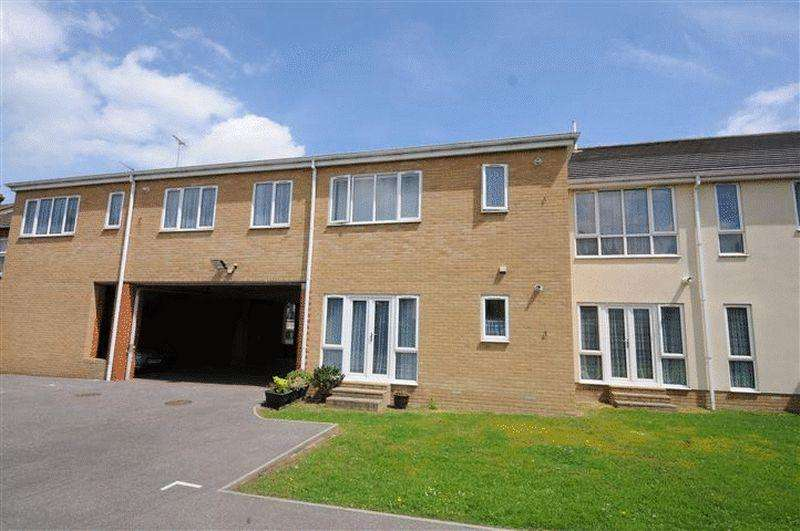 1 Bedroom Apartment Flat for sale in West Road, Westcliff-On-Sea