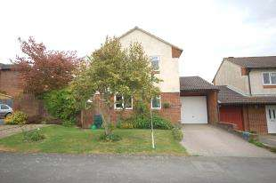 3 Bedrooms Link Detached House for sale in Wares Road, Ridgewood, Uckfield, East Sussex