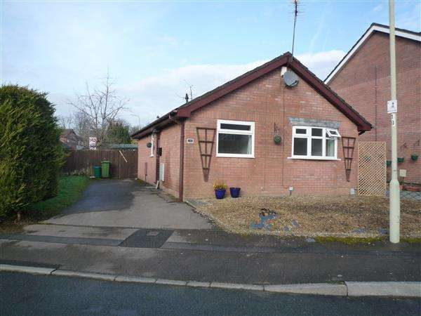 2 Bedrooms Bungalow for sale in Glan Y Ffordd, Taffs Well, Cardiff
