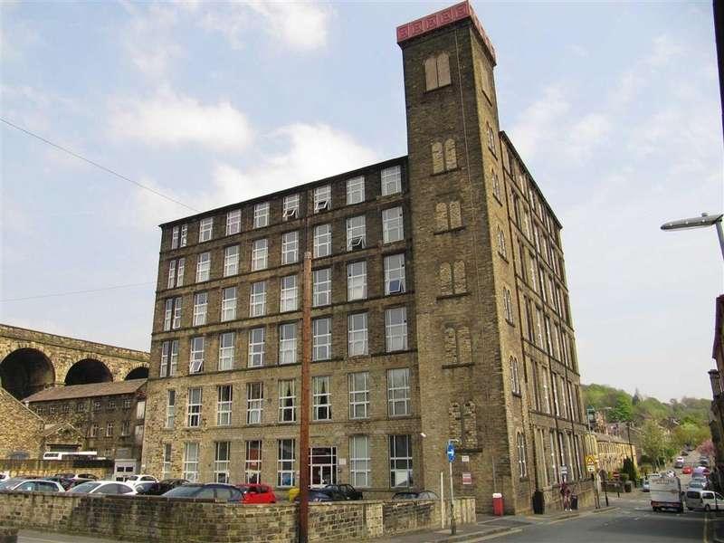 2 Bedrooms Apartment Flat for sale in Savile Street, Milnsbridge, Huddersfield, HD3