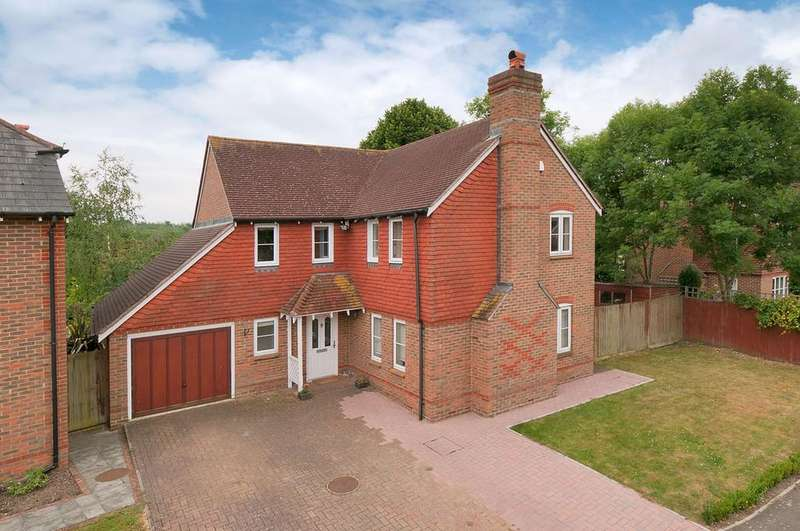4 Bedrooms Detached House for sale in Busbridge Close, East Malling